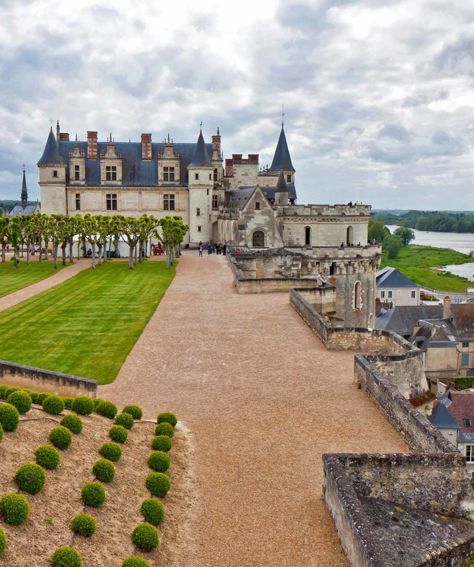 discover-loire-valley-family-tour